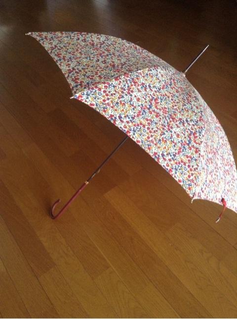 【マユ♡コレ】憂鬱な雨も楽しく♪英国王室御用達ブランド「 FOX UMBRELLAS(フォックスアンブレラズ)」